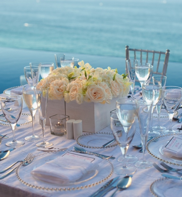 stylish-white-beach-centerpiece.jpg